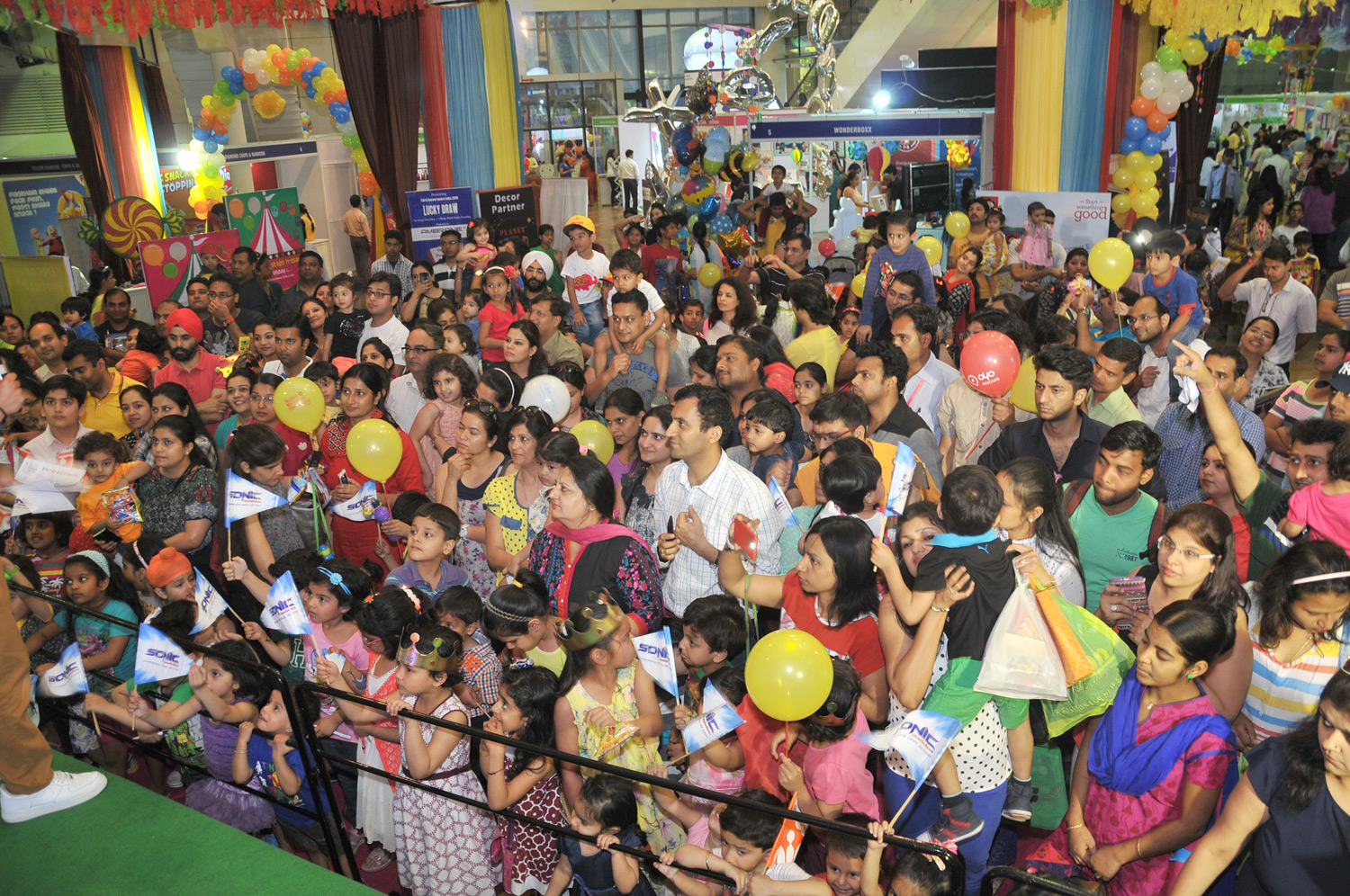 kids going crazy to meet their favourite cartoon characters